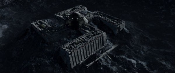 IRON-SKY-linnoitus