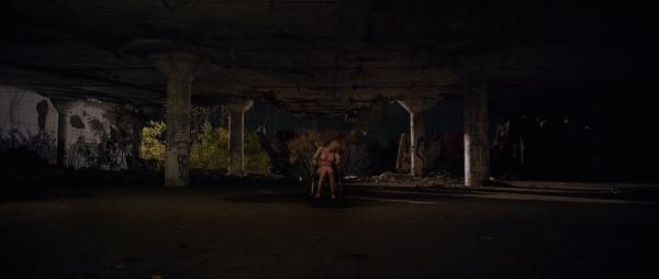 IT FOLLOWS urban decay