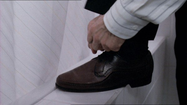 SEITSEMÄS-MANNER-kenkä